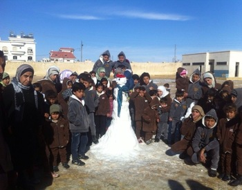 Clothing program - projects/clothing_program/aleppo_schools_2013_dec06.jpg