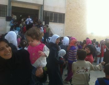 Helping internal displaced people in Aleppo - projects/helping_internal_displaced_people_in_aleppo/img_0466.jpg