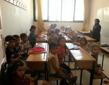 Helping internal displaced people in Aleppo - projects/helping_internal_displaced_people_in_aleppo/room3_(3).jpg